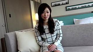 Japanese Sexy Milf Uncensored